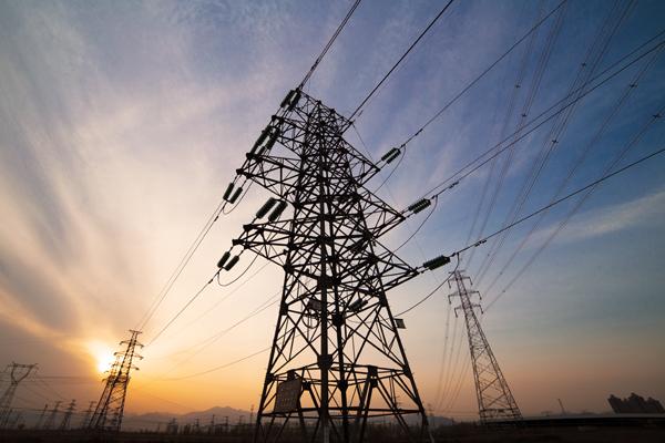PARA QUE NACIONALIZAR LA ENERGIA ELECTRICA